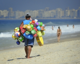 _CMV3244 insta crop Rio Vendedor praia